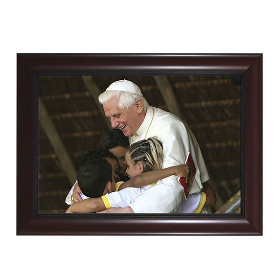 POPE BENEDICT WITH CHILDREN IN CHERRY FRAME