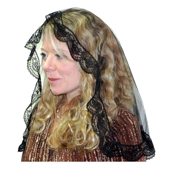 ILLUSION TULLE OVAL MANTILLA - BLACK