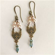 FATIMA PINK PEARL EARRINGS